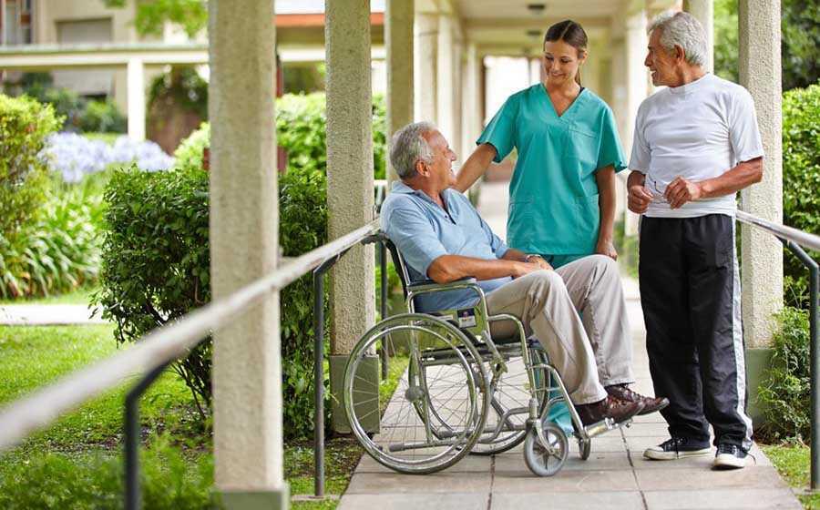 Как подготовить близкого человека к переезду в пансионат для пожилых людей?